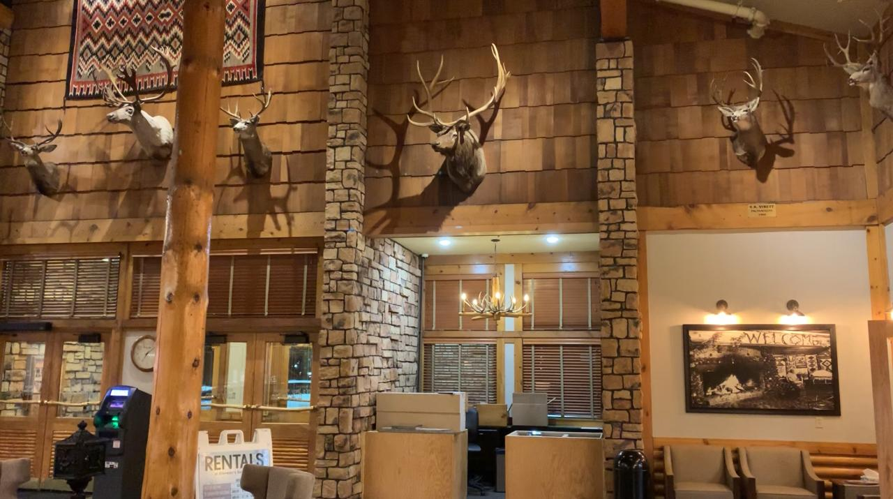 One-way Shuttle: Las Vegas to Ruby's Inn (Bryce Area)