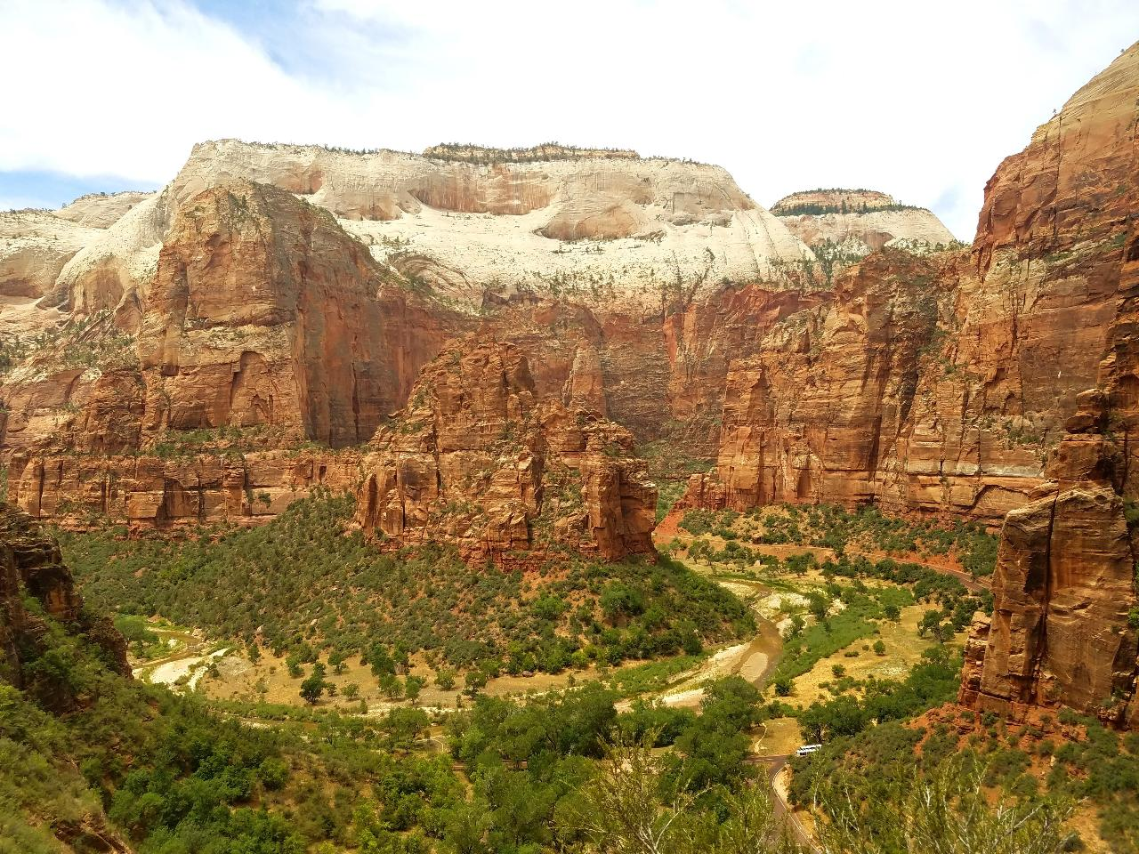 One-way Shuttle: Las Vegas to Zion National Park
