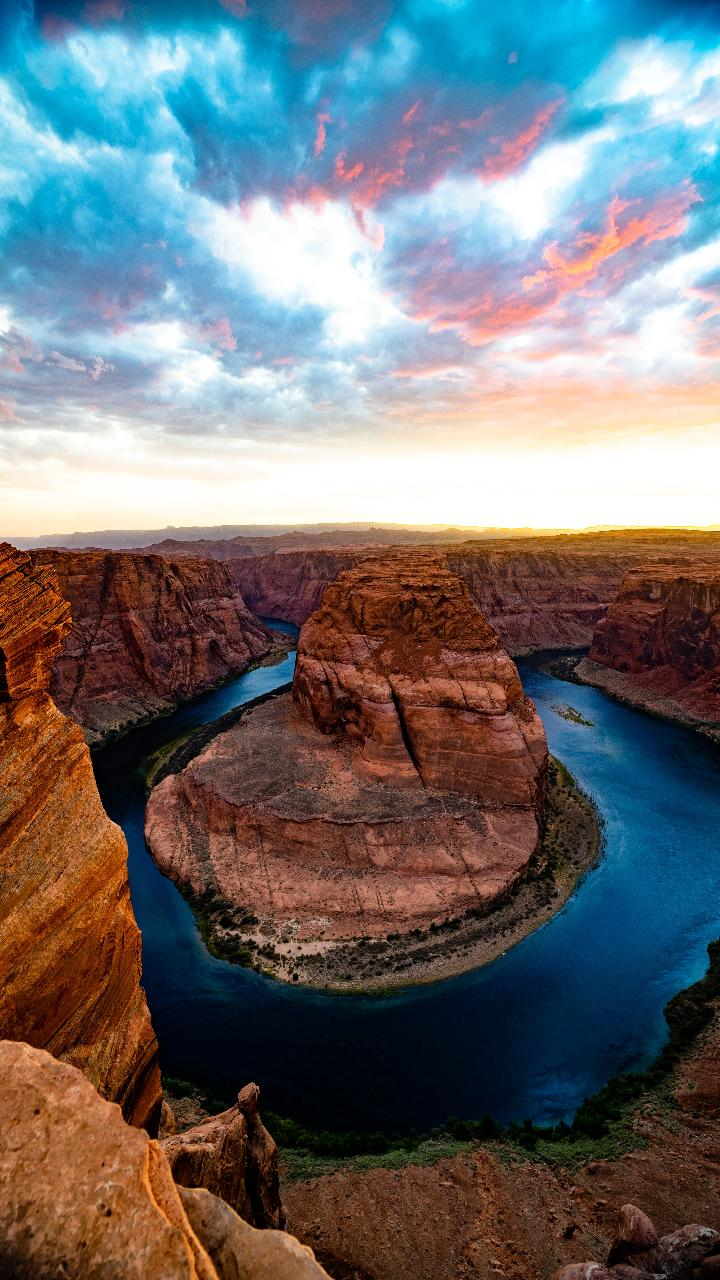 Upper Antelope Canyon & Horseshoe Bend Day Tour from Las Vegas