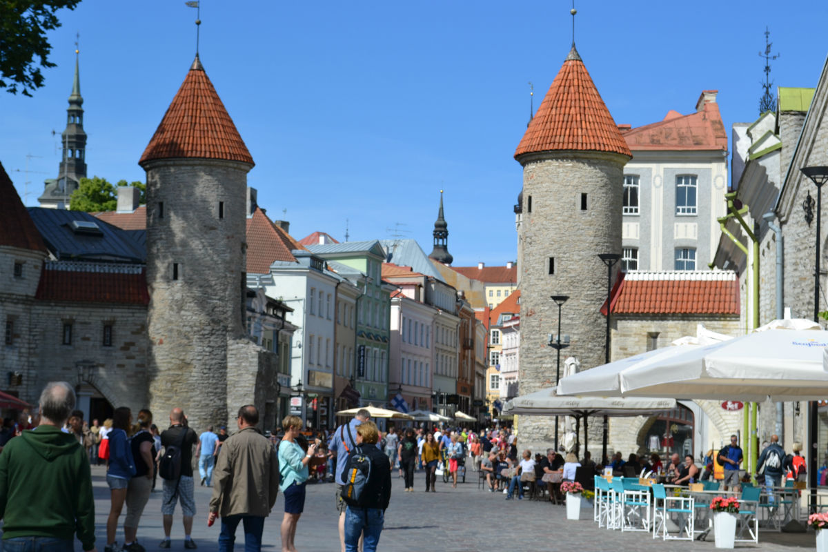 Tallinn Small Group Walking Tour