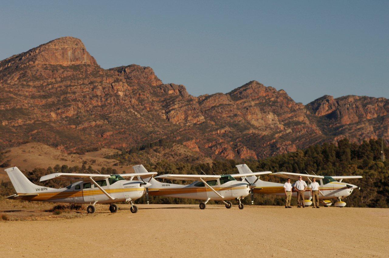 7 HOUR Arkaroola Ridge Top Tour - Scenic Flight (3 HR) + 4WD Tour (4.5 HR)