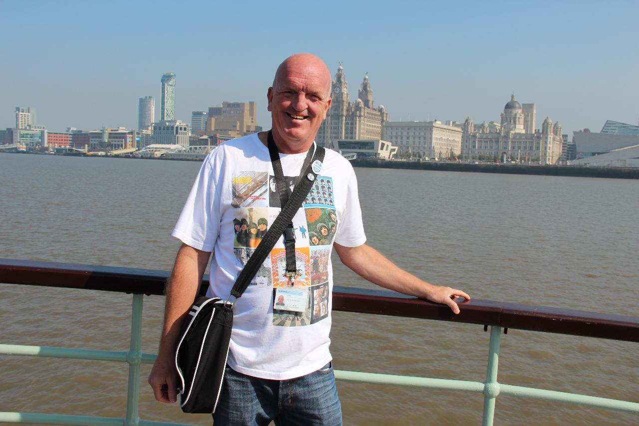Discover Liverpool Fun Guided Walk - Children free of charge. Learn all about Liverpool on this fun tour in the footsteps of the Beatles.