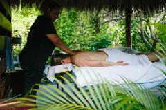 Stay overnight on a luxurious private island - all meals included, couples massage