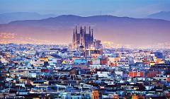 Sagrada Familia & Lamborghini Huracan - 40min City Tour