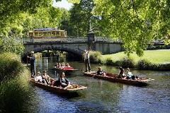 Punting on the Avon Tour - Worcester Bridge