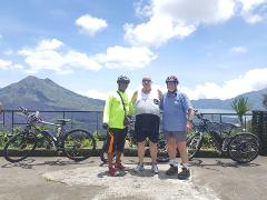 Ubud Electric Bike Tour from Tegallalang to Tampak Siring and Kintamani