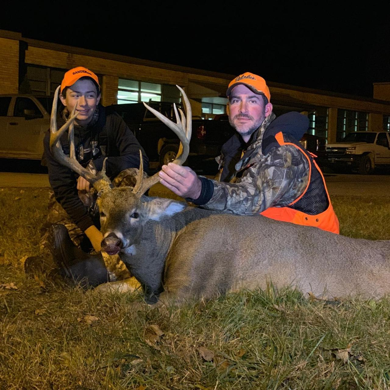 West Camp Kentucky 7 Day 8 Night Bow Hunt