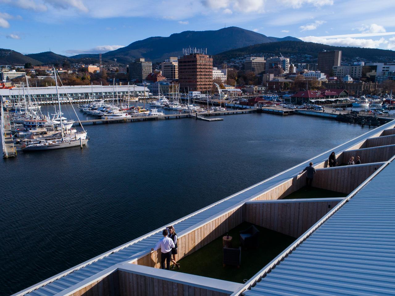 Hobart + Bruny Island Fossick