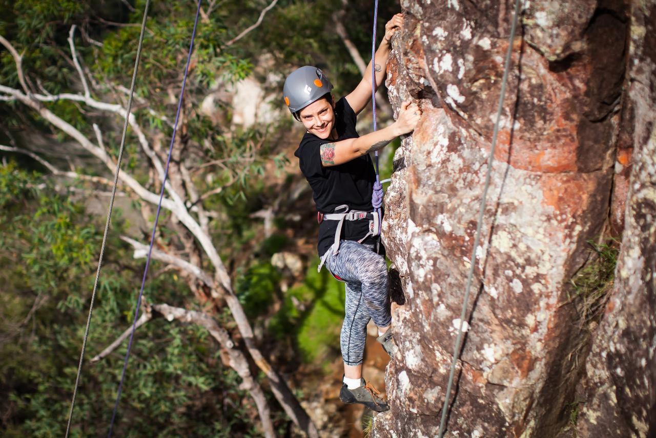 Rock Climbing Mount Ngungun (Glasshouse Mountains)
