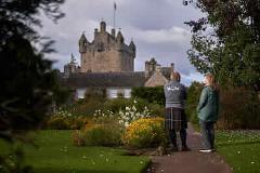 Loch Ness, Cawdor Castle & Outlander Tour