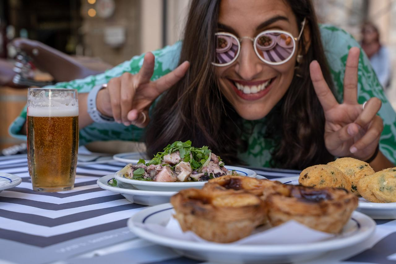 Alfama Delicious Food Tour by e-Bike