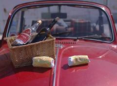 Eat Like a King by VW Beetle | Portuguese