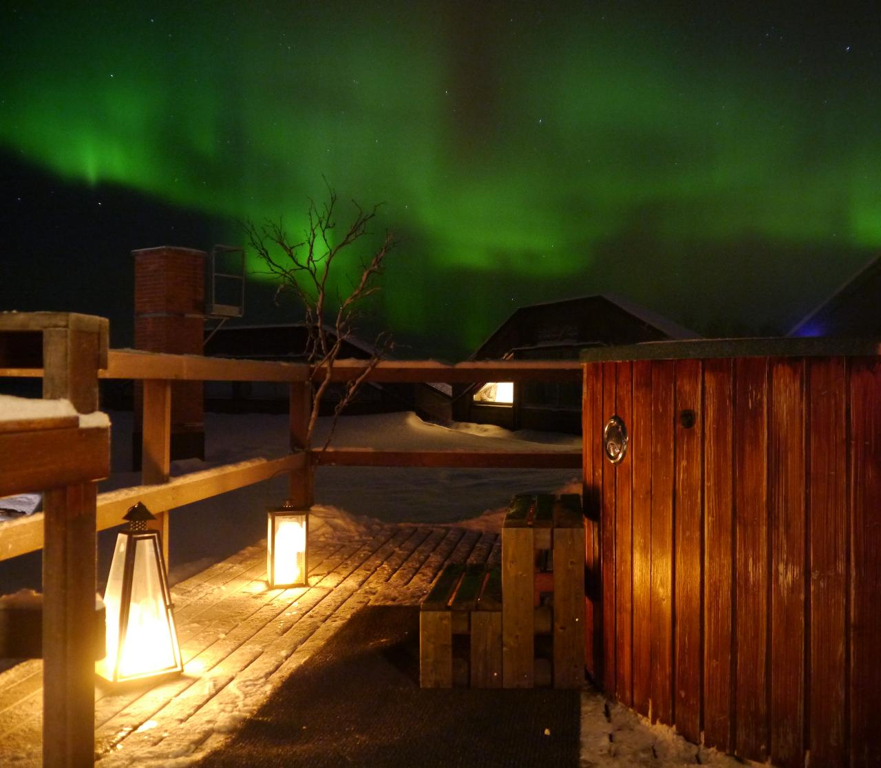 Wellness: Hot tub under the night sky (SEP-OCT)