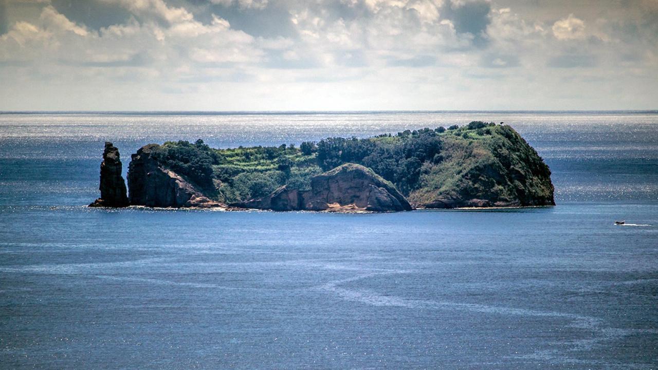 Islet of Vila Franca do Campo Reserve Tour [Oct-Apr]