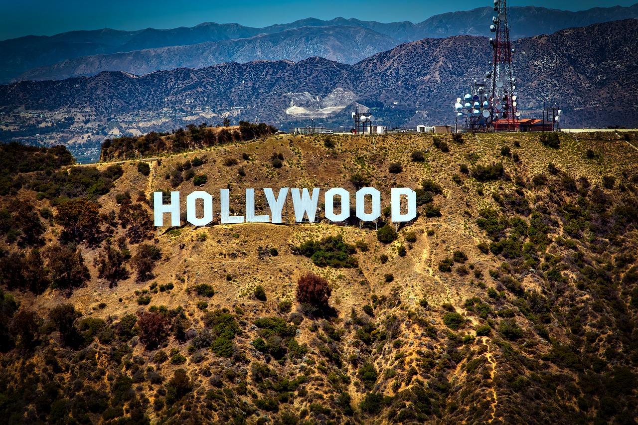 Las Vegas- Hollywood Luxury Bus Tour