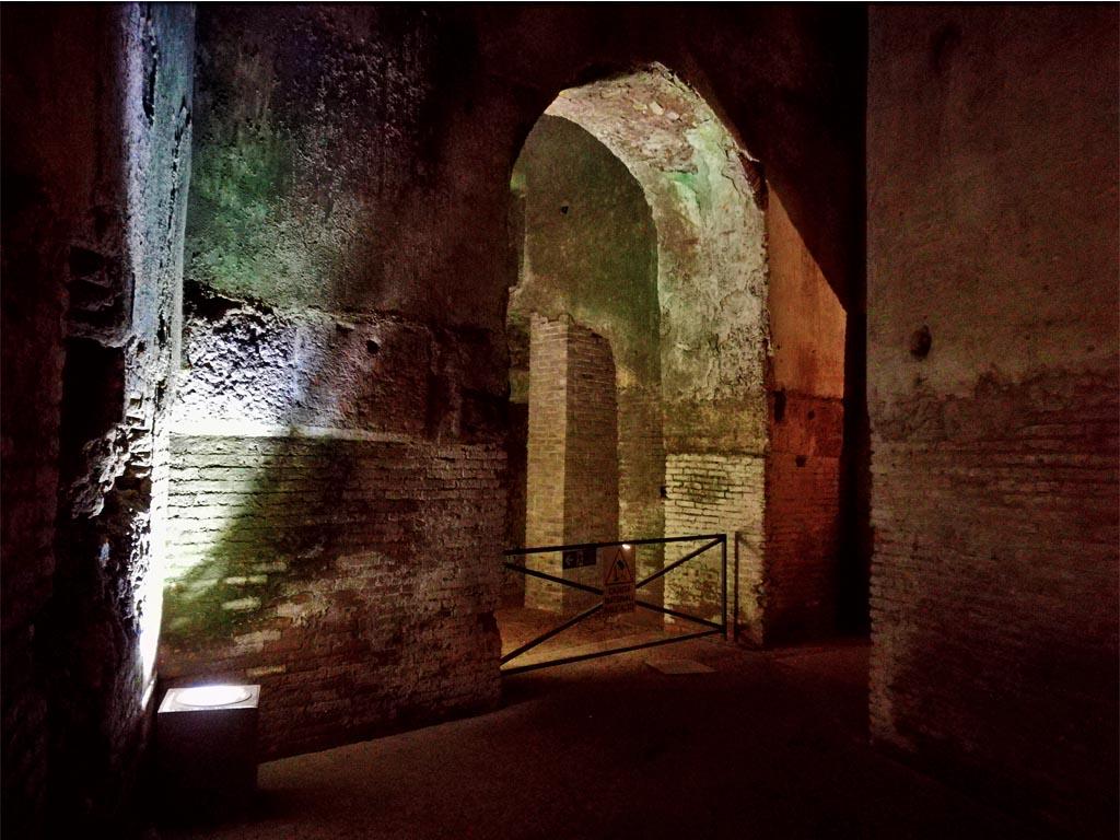 Domus Aurea Underground Tour: With Colosseum and Roman Forum