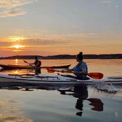 Kvällspaddling & Yoga / Sunset kayaking & Yoga