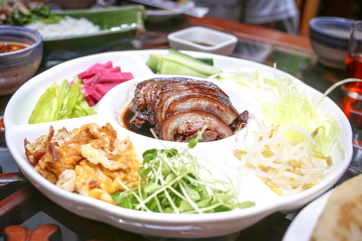 Flavors of China Restaurant Tour in Beijing