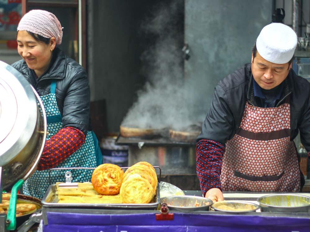 Xian Morning Market & Food Tour by Tuktuk