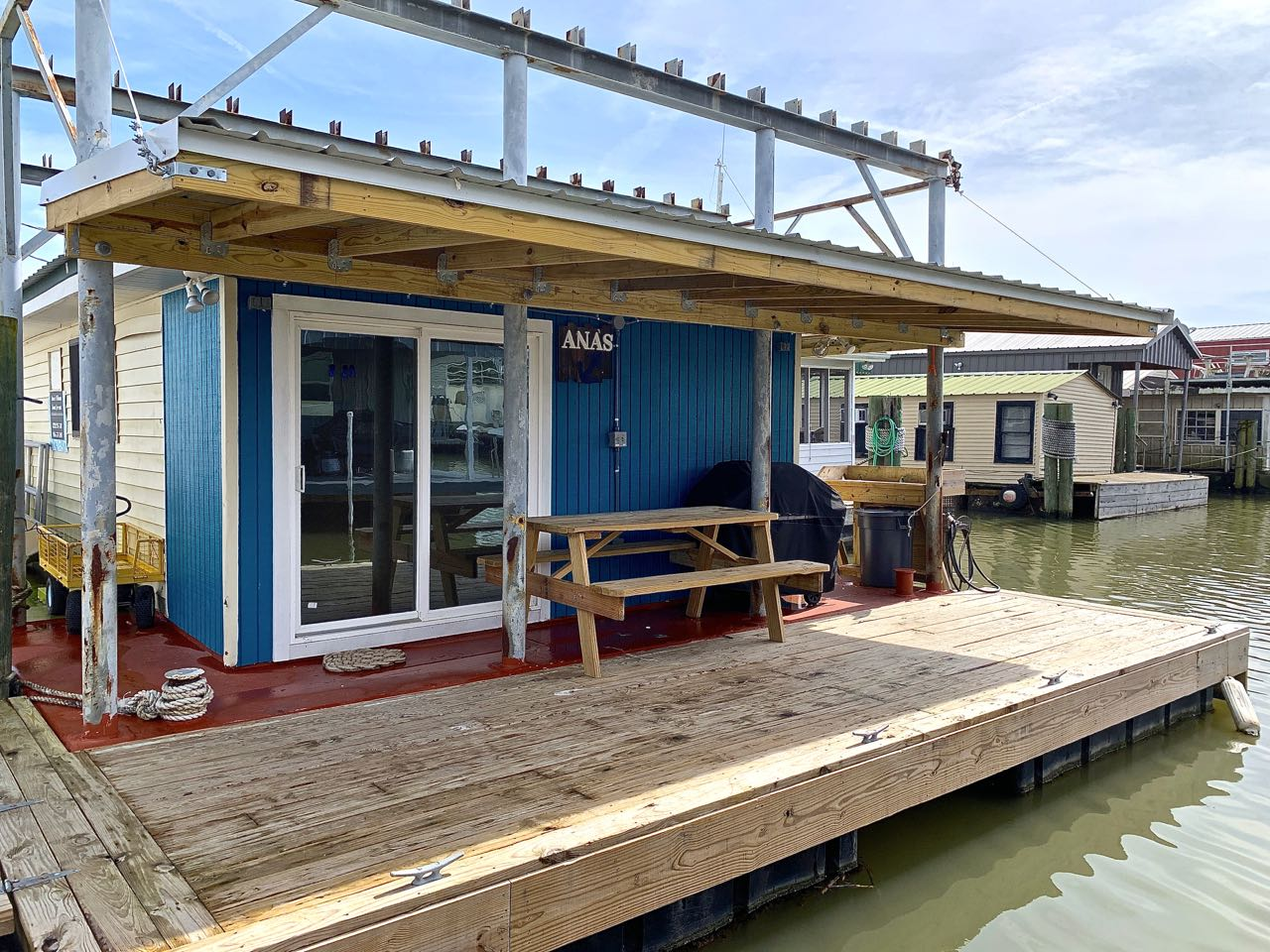 Super Strike 3 - Houseboat Lodging - Venice Marina-On the Water