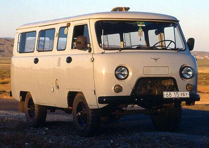 UAZ BUS 2h Retro Car Tour