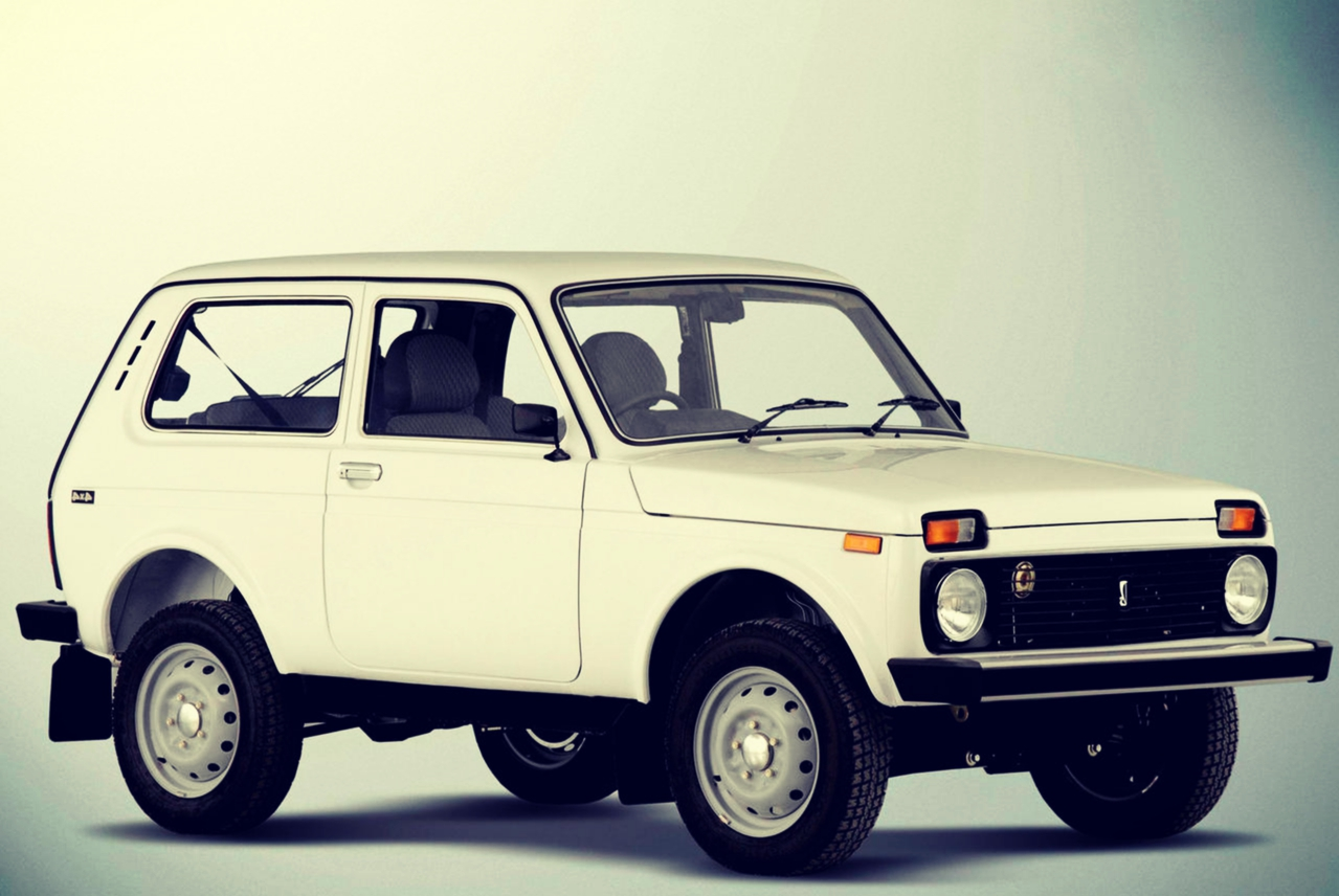 Lada NIVA 2h Retro Car Tour