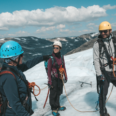 Guided glacier walk on «Tystigbreen» glacier