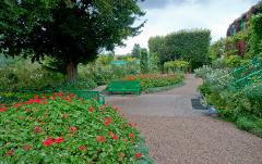 Claude Monet's Giverny 5H Private Tour minivan 4 to 7 pax (Afternoon)