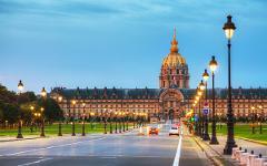 Paris + The Orsay Museum Private Tour Minibus 8 People