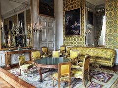 Versailles In Depth Private Tour Sedan 1-3 People