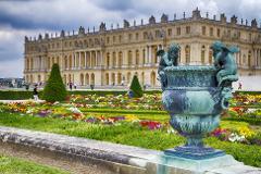 Versailles Palace + Gardens 4H Private Tour Sedan 1-3 Pax (Morning)
