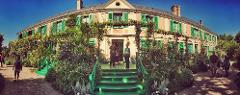 GIVERNY + VERSAILLES 9.5H Private Tour Minivan 4 to 7 pax
