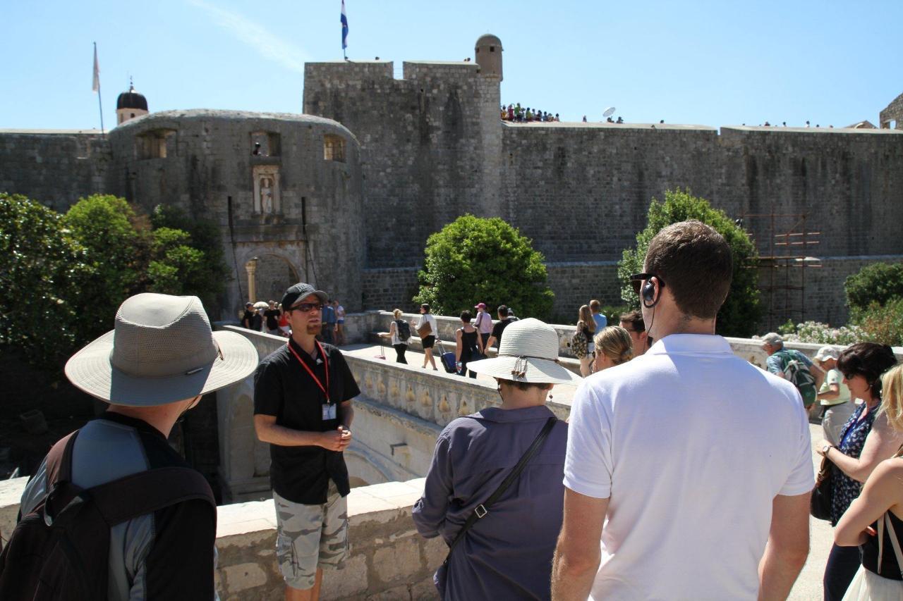Descubra el casco viejo 1.5 h tour (Spanish)