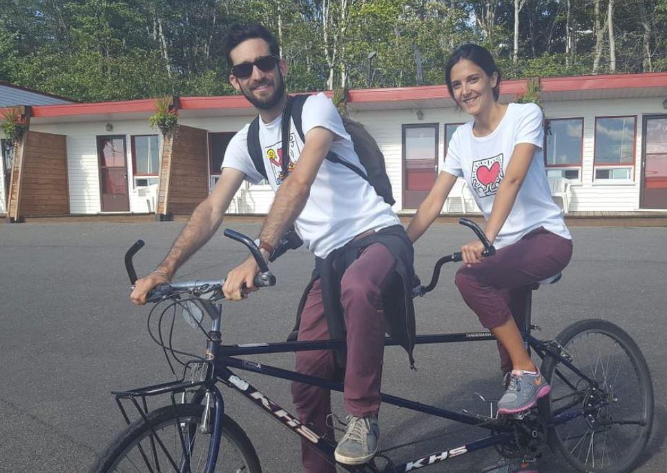 Amusez-vous en pédalant ensemble sur un vélo tandem (pour 2 personnes) // Have Fun cycling together on a Tandem Bike on Ile d'Orleans