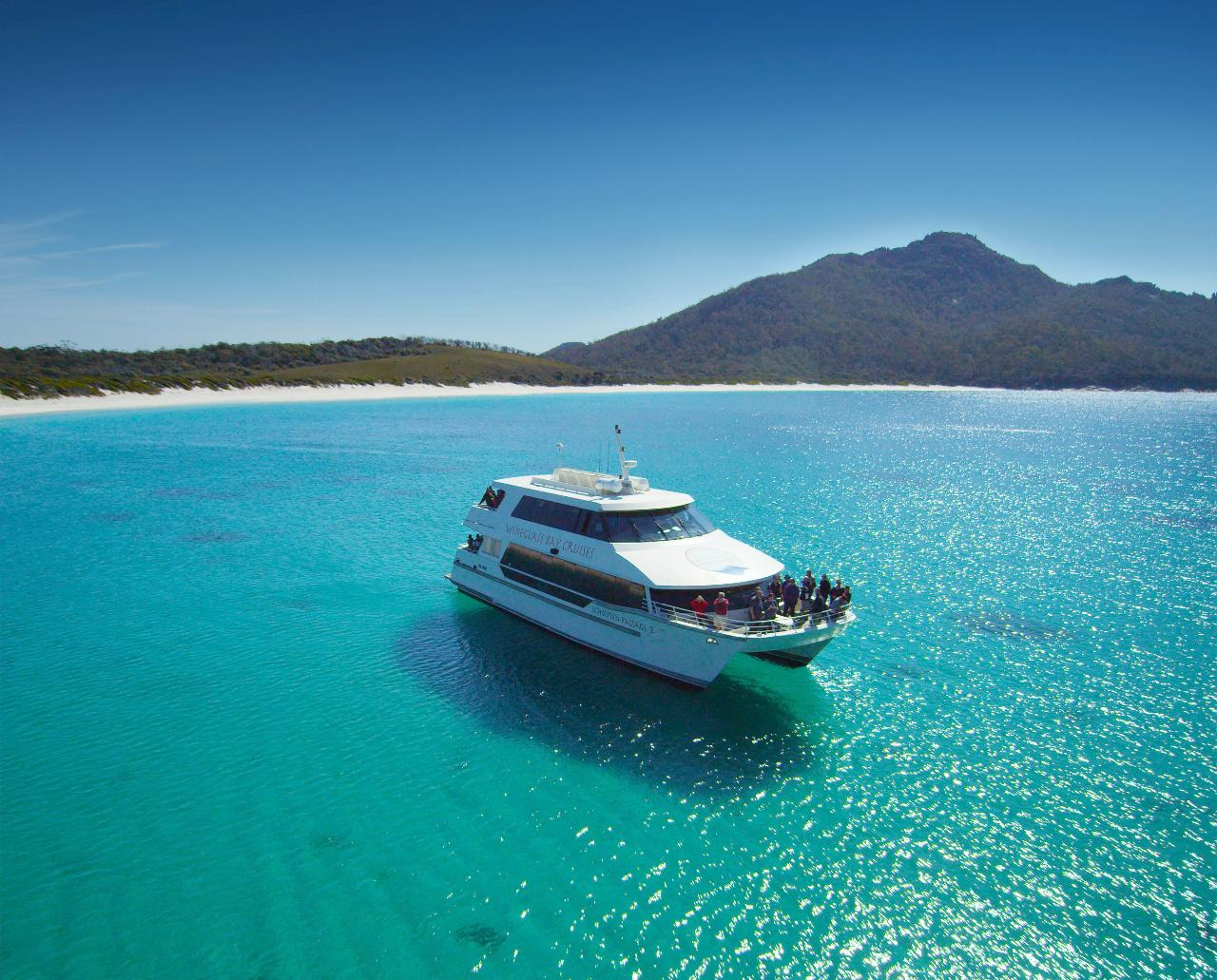 Vista Lounge - Wineglass Bay Cruise (Including Lunch)