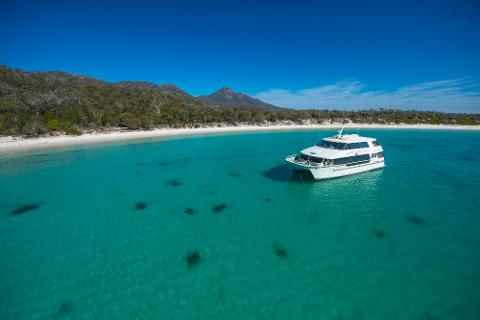 Sky Lounge – Wineglass Bay Cruise – Adults Only Tasmania Australia