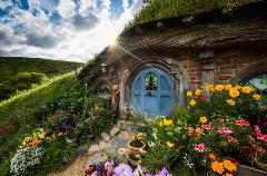 Hobbiton & Waitomo Glowworm Caves Small Group Tour from Auckland (Return Trip)