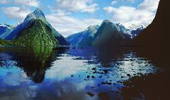 Milford Sound Small Group Tour from Queenstown or Te Anau (Return Trip)