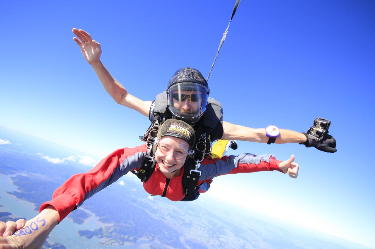 9,000FT SKYDIVE VOUCHER