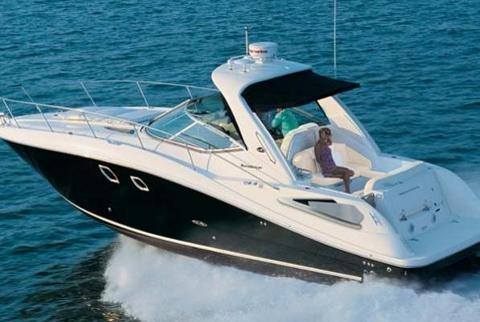 36' Sea Ray Sundancer Yacht with Captain (MAX 12 people)