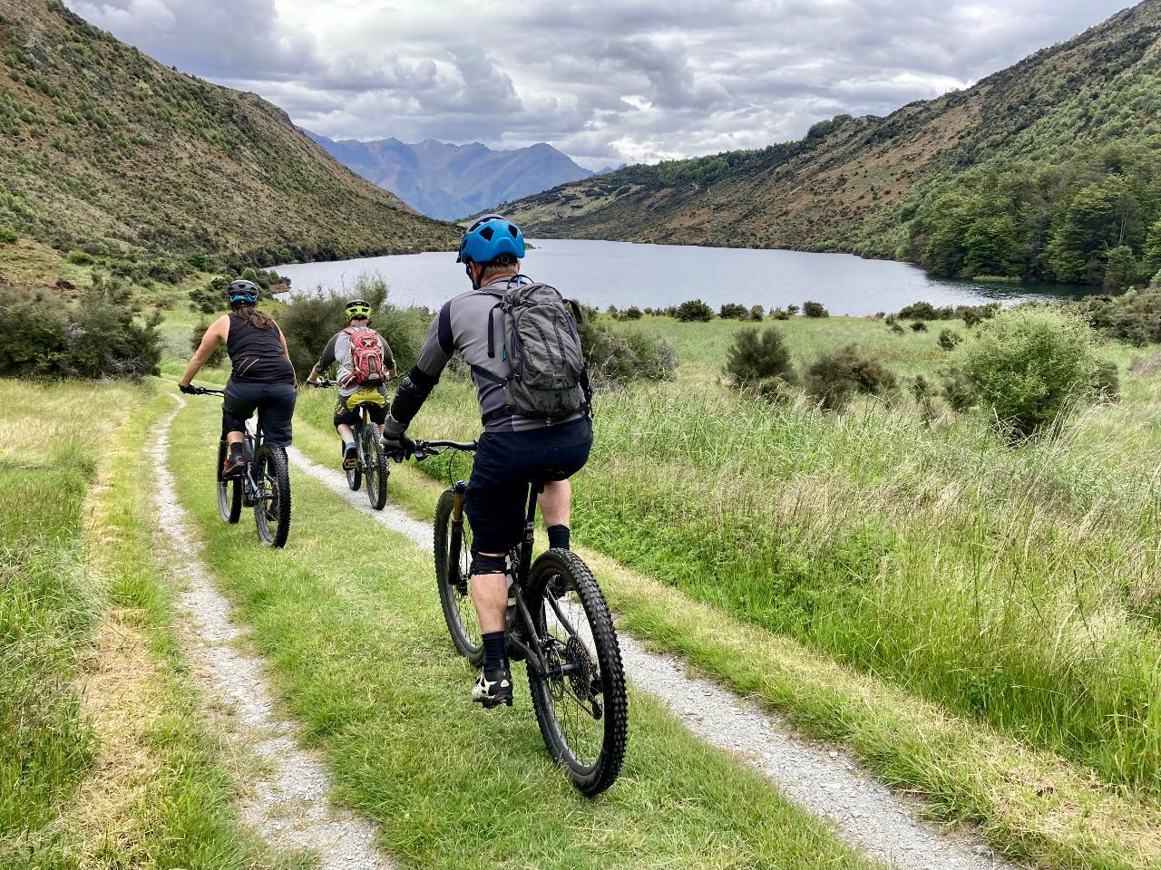Four Lake Loop e-bike