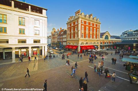 London - Covent Garden at Christmas - Sun 19th Nov 2017