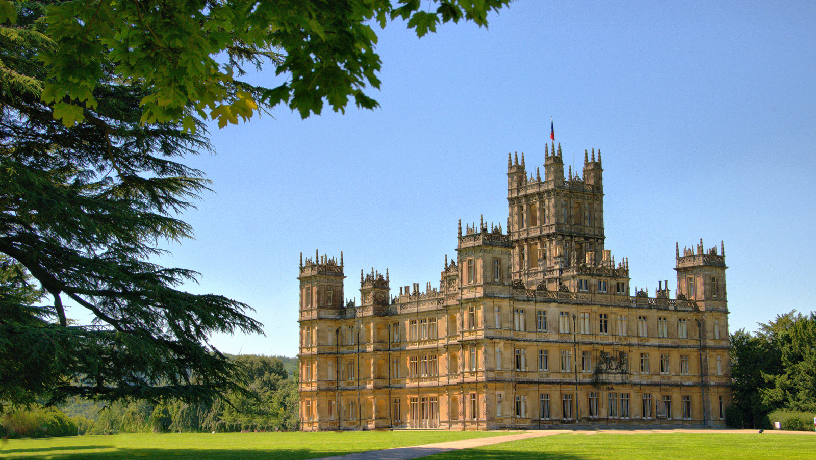 Highclere Castle - Downton Abbey - Mon 9th April 2018