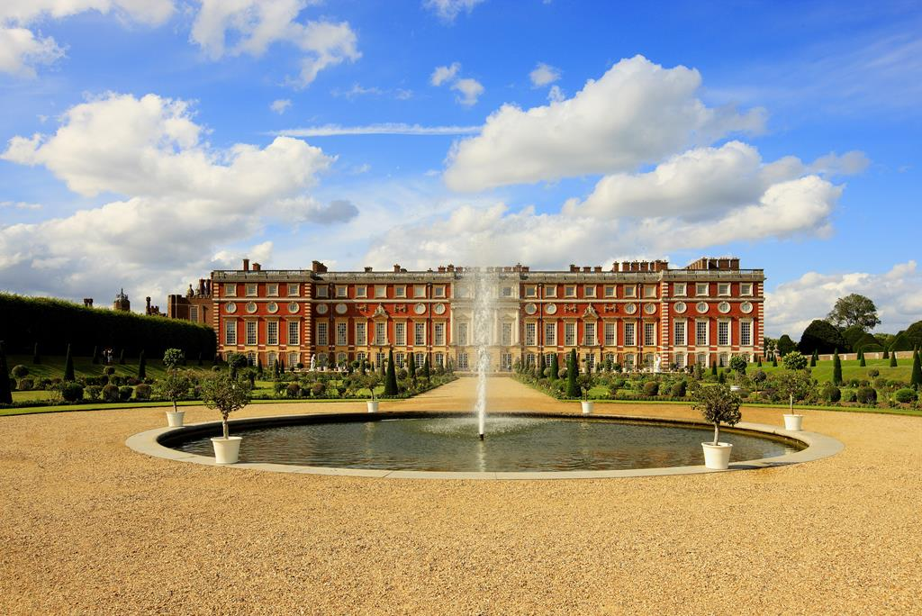 Hampton Court Palace - Tue 7th Aug 2018