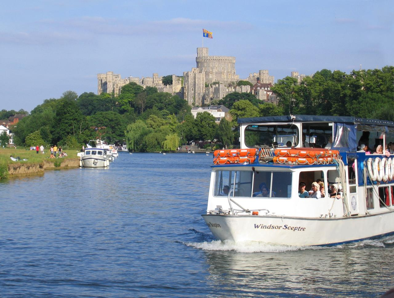 Windsor River Cruise with delicious Ploughman's lunch OR Windsor Only - Mon 29th Apr 2019