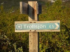 Guided hike to Trollsjön (Rissajaure)