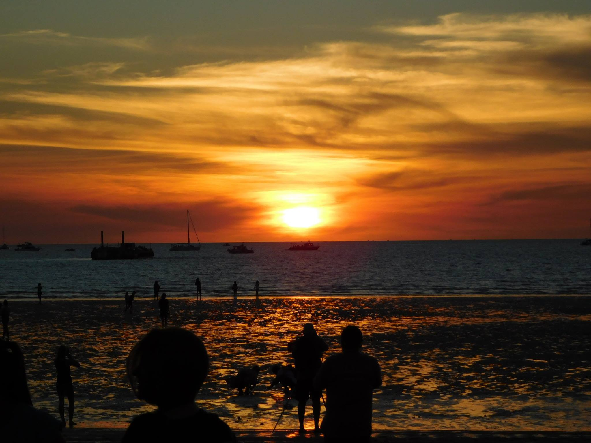 Book now: Mindil Beach Markets Sunset Tour