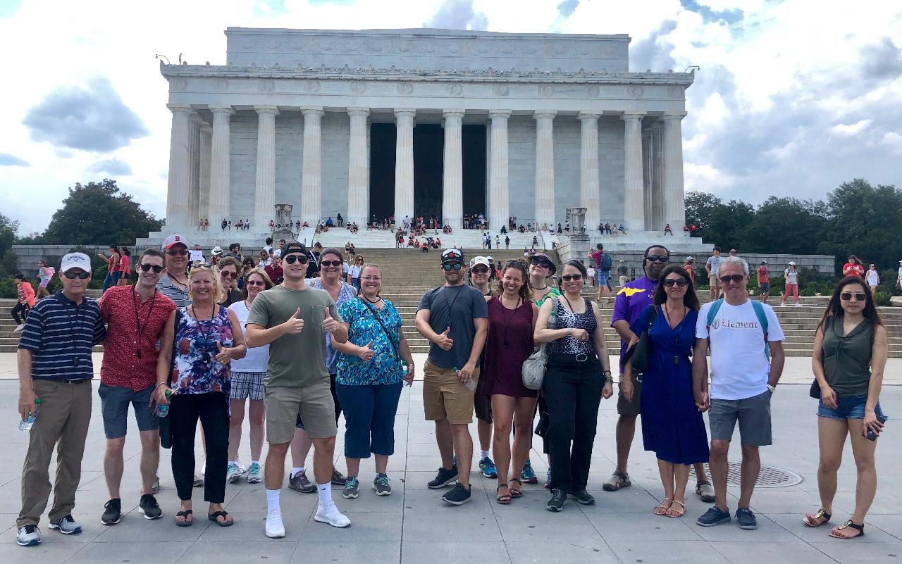 DC Highlights Guided day tour 6hrs - Show up and Earpices is included.