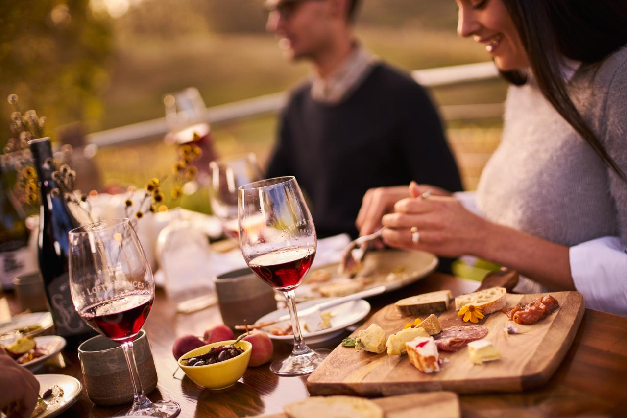 Adelaide Hills & McLaren Vale - Small Group Tour