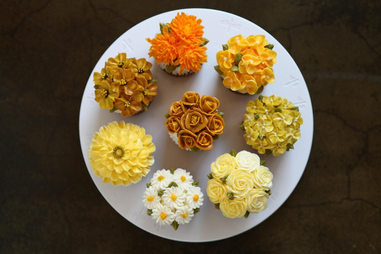 Buttercream Piping Flower Art Cake Decoration Workshop A1